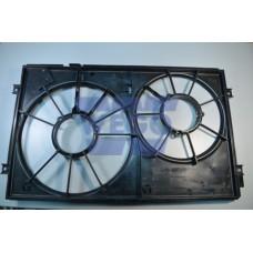 кожух вентиляторов (радиатора и кондиционера)