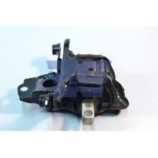 опора двигателя левая (STP)